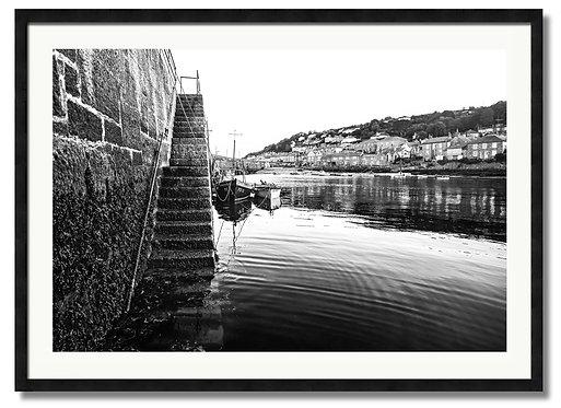 Harbour Steps - (Code 00105)