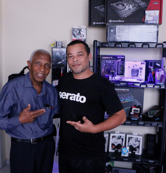 O primeiro DJ do Brasil DJ Oswaldo