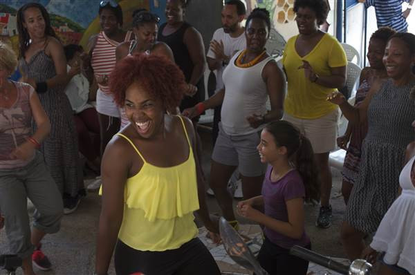 Muraleando Community Art Project, Diez de Octubre, Havana, Cuba.  a cultural community center in Havana, hosts arts, dance and music classes in the community. The DiasporaES group spent the evening learning about Cuban arts, music and dance.