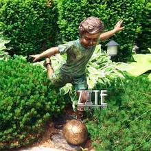 26 Garden-decoration-playing-football-ch