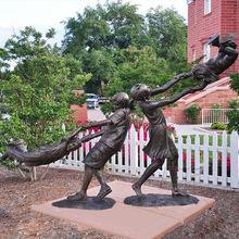 22 Garden-bronze-metal-children-playing-