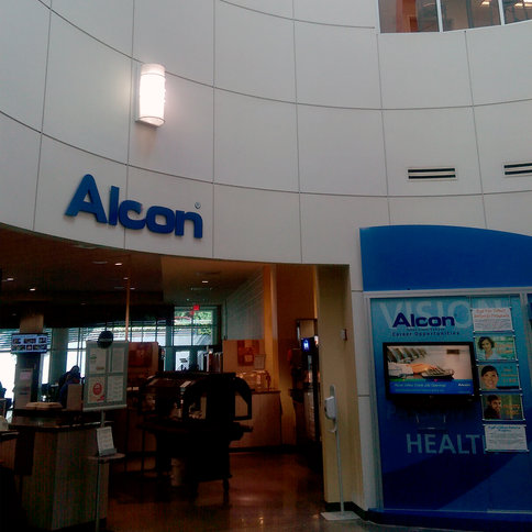 Alcon Laboratories: Logo Signage