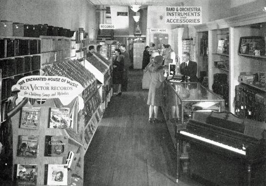 Doyle Marks, 1948.jpg