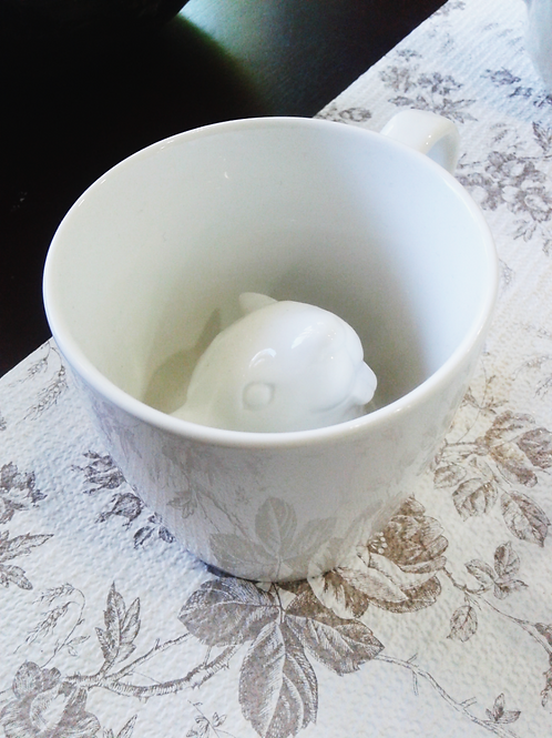 3D White Squirrel Attack Cup 立體白色松鼠茶杯