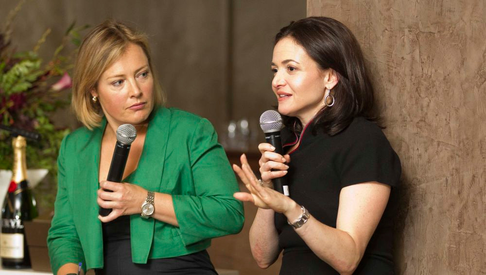 Sheryl Sandberg (derecha), Facebook | Wikipedia