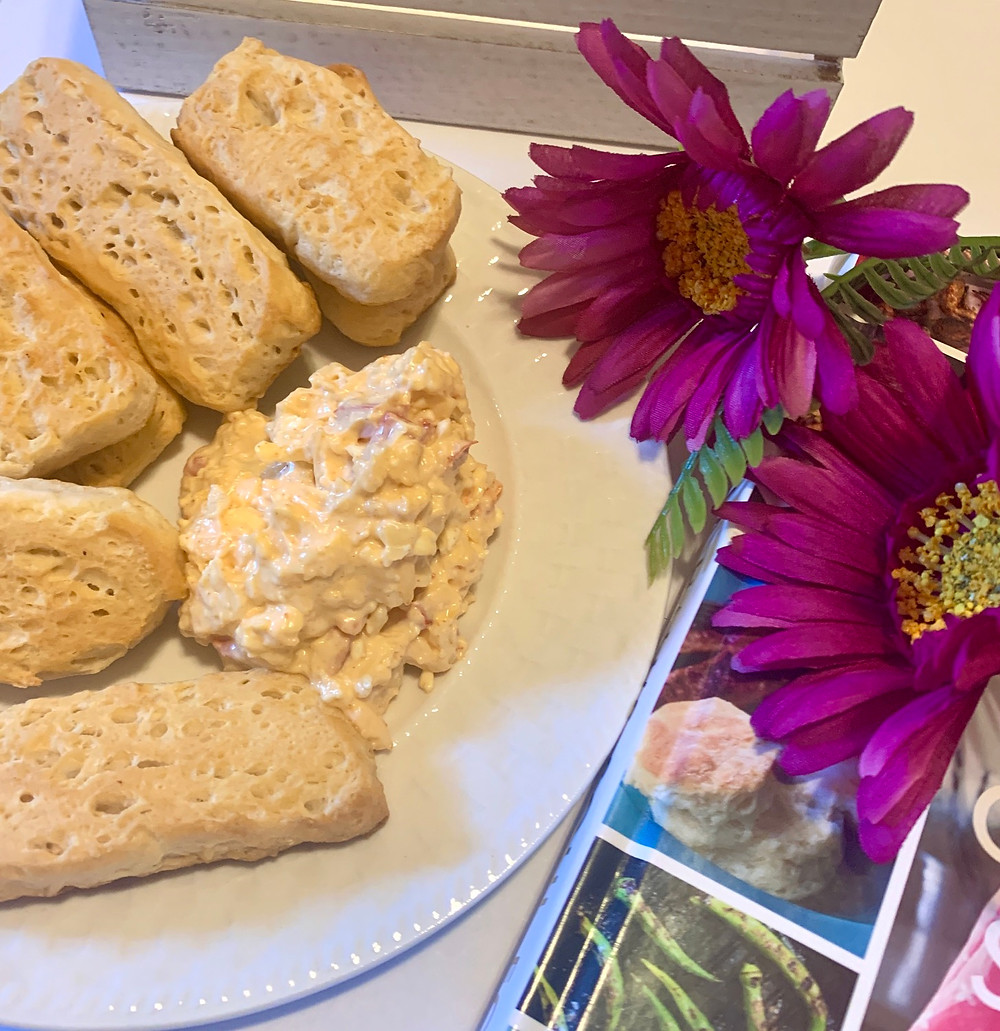 Pimento Cheese and Biscuit Crackers