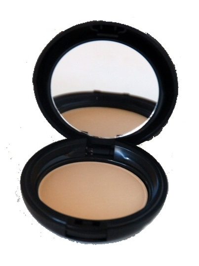 Dual Mineral Foundation in Golden Beige