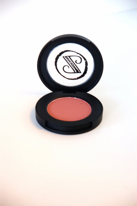 Mineral Blush in L'Amour