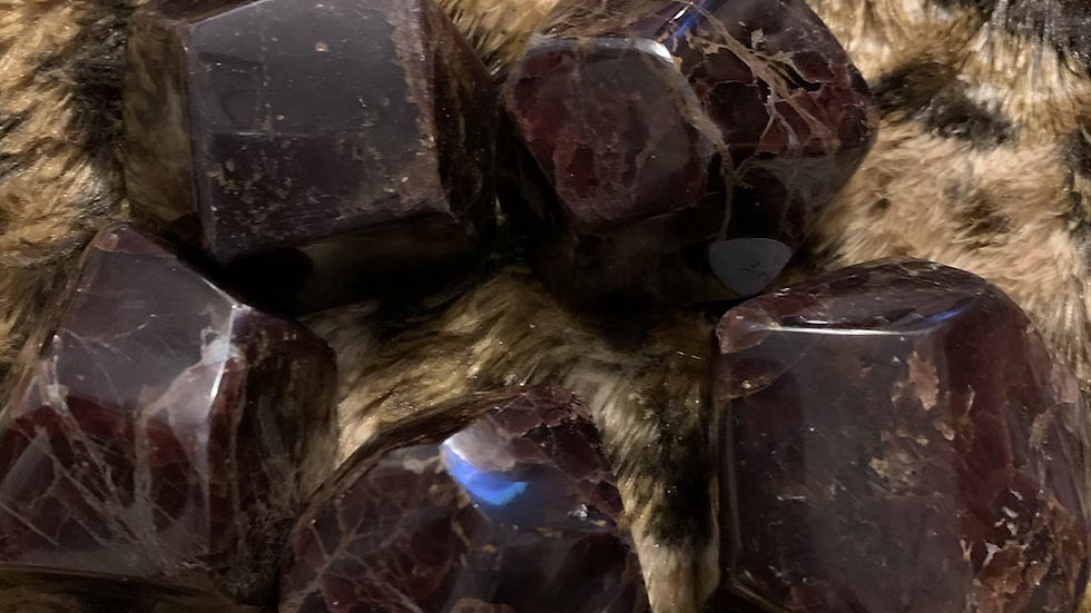 Faceted Garnet Palm Stone