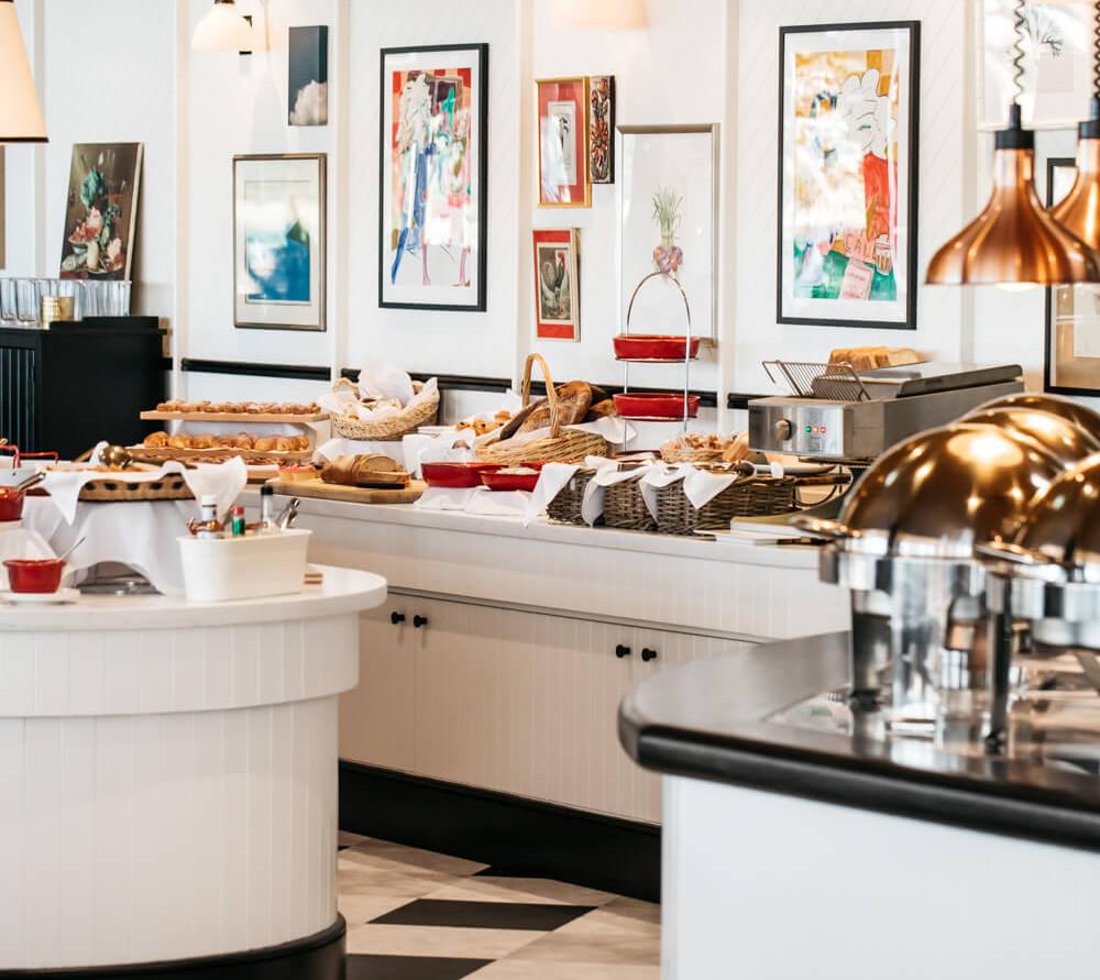 Shopfitting Sydney - Novotel Manly by Br