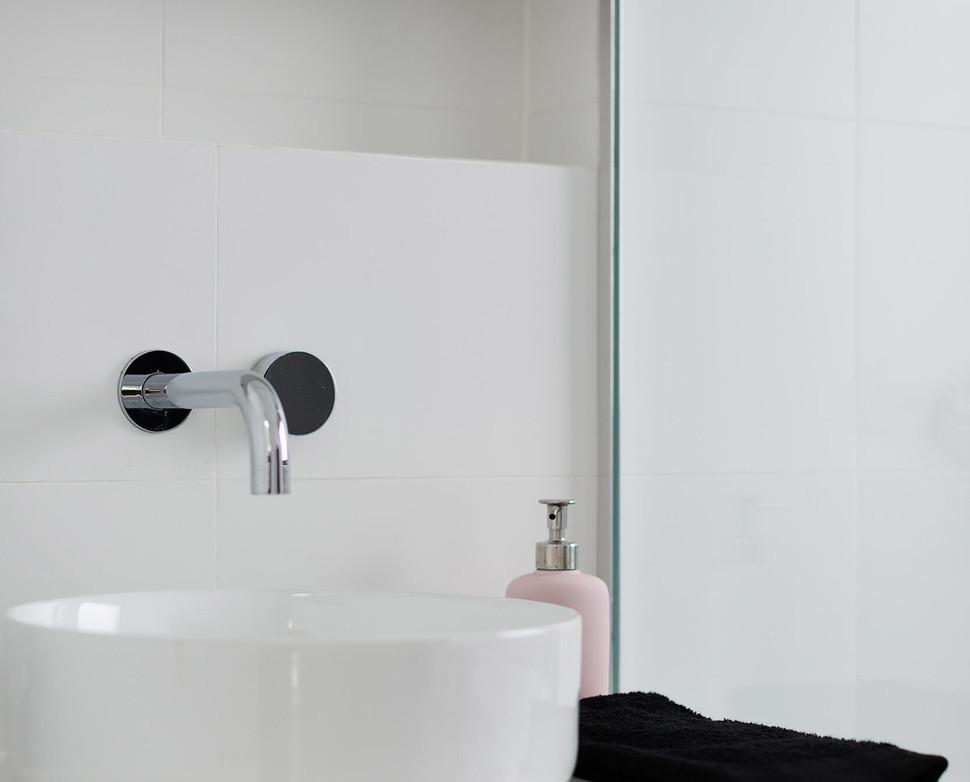 North shore bathroom renovation by Braeside Building -