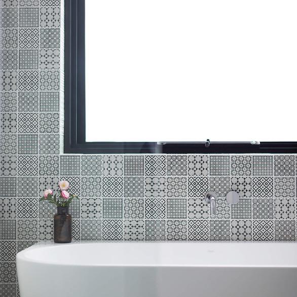 Stunning black & white feature tiles