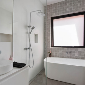Feature wall & white features in our north shore bathroom renovation