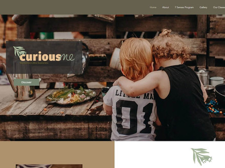 multi page website play centre Curious M