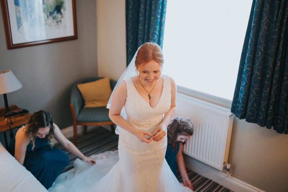 Mirfield photographer bride ready