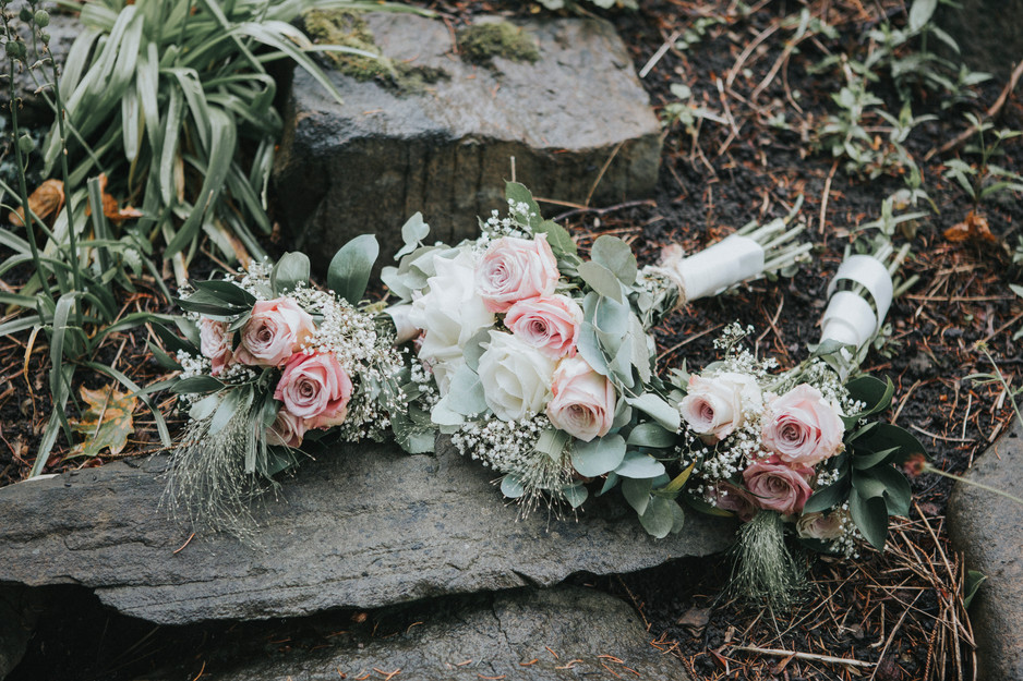 pastel colours wedding photography