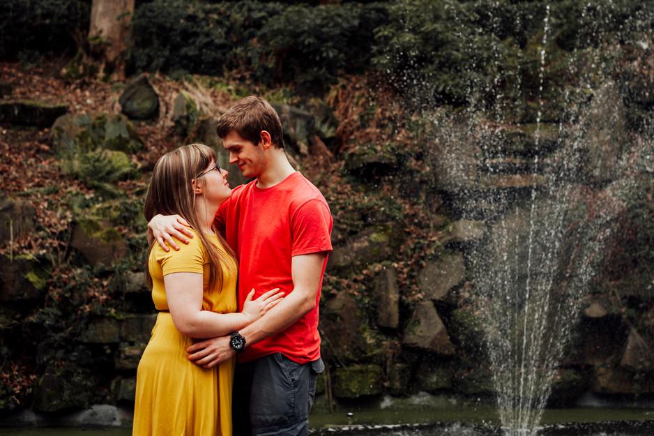 engagement shoot in beaumont park