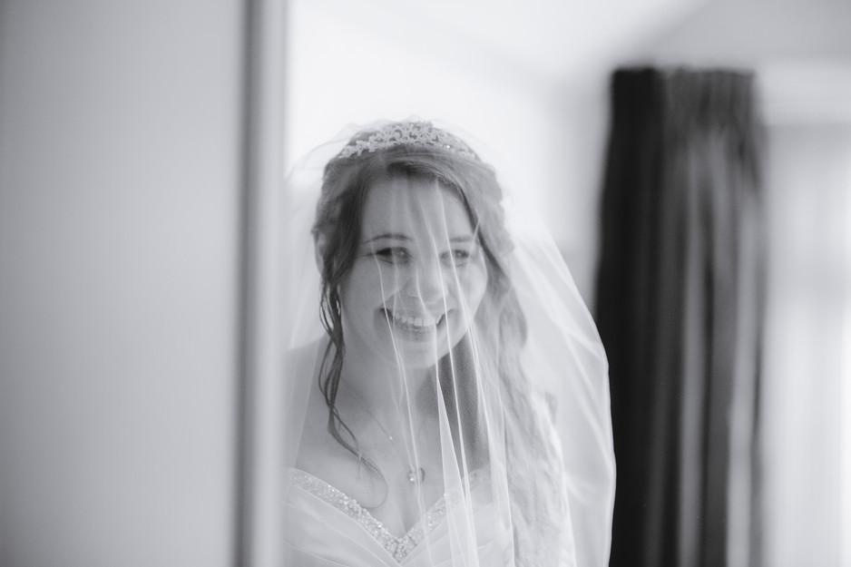 modern wedding photographer
