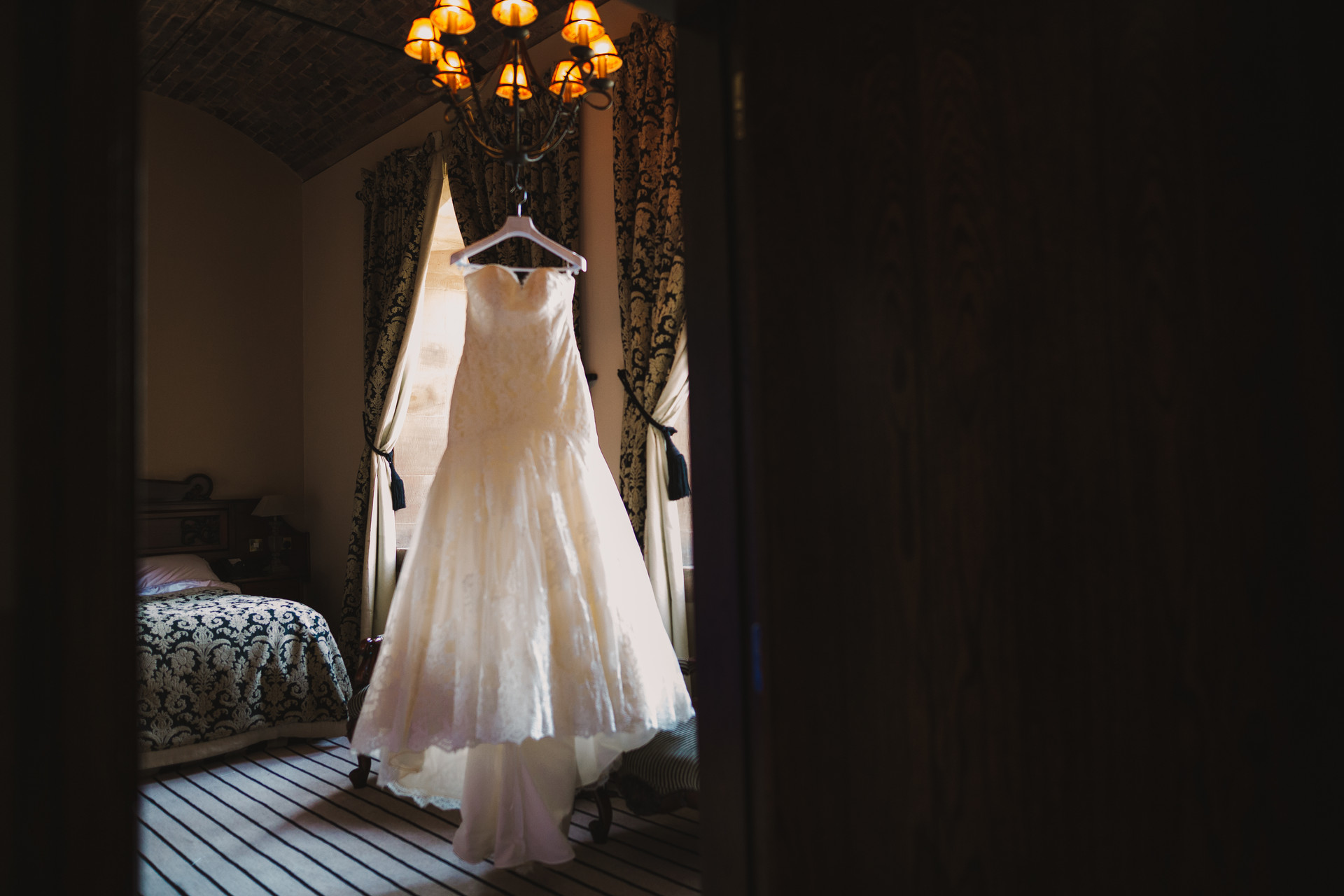 wedding photography Peckforton Castle-101.JPG