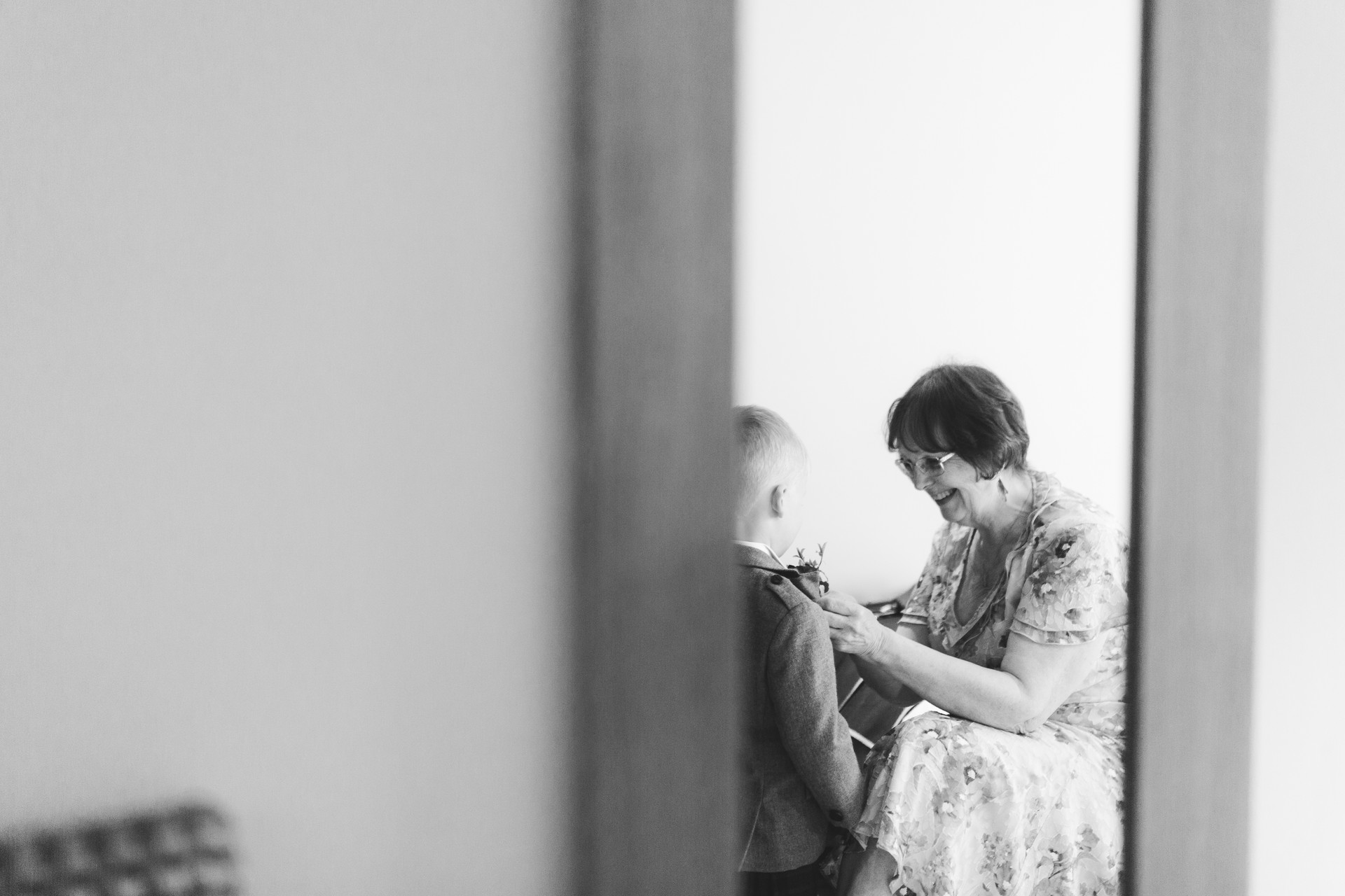 relaxed wedding photography in wetherby