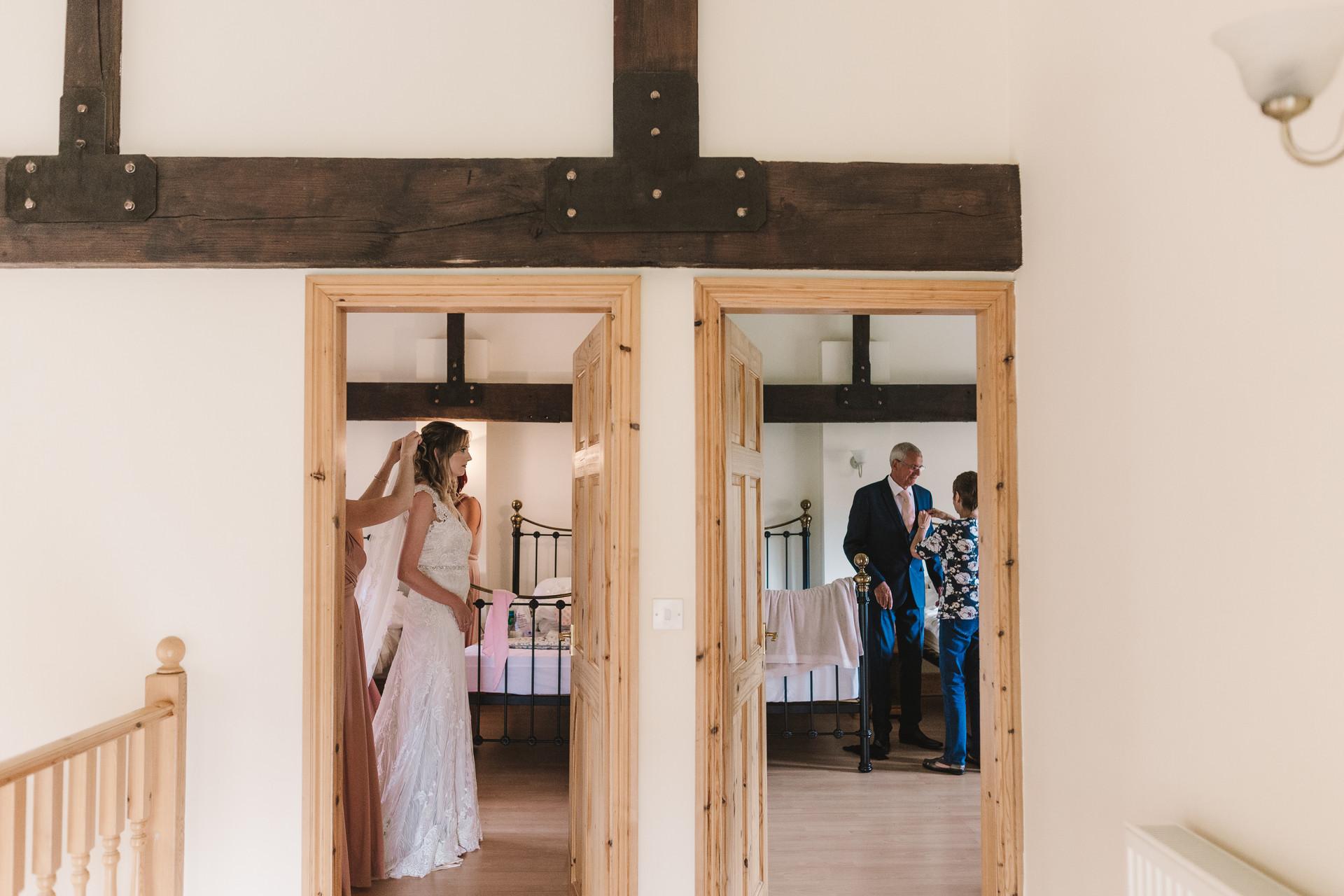 bridal prep at villa farm york