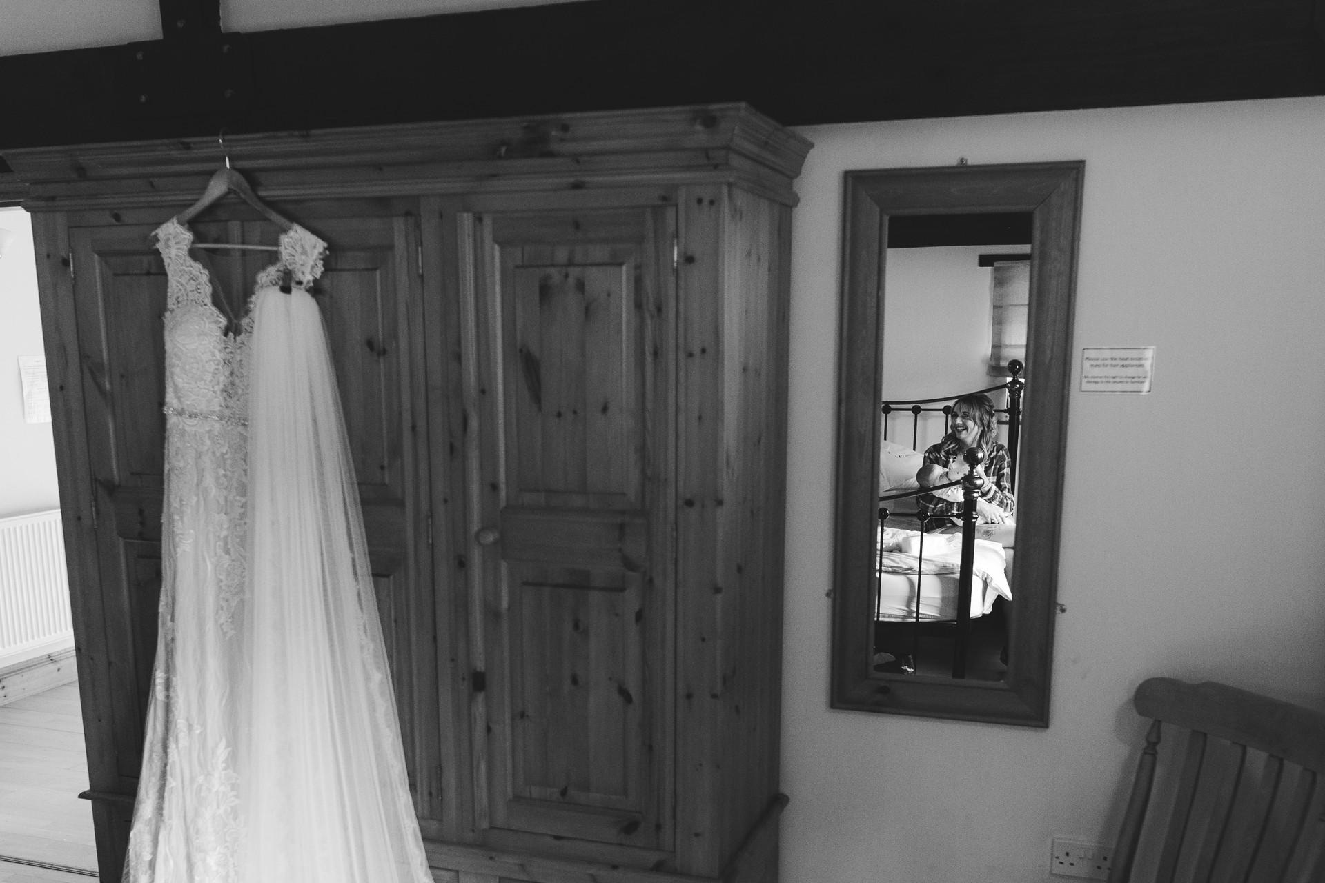 bridal prep at villa farm