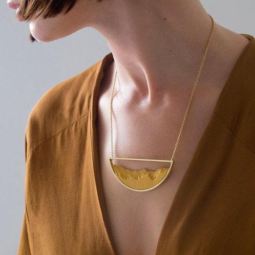 Collar Semicircular Dorado