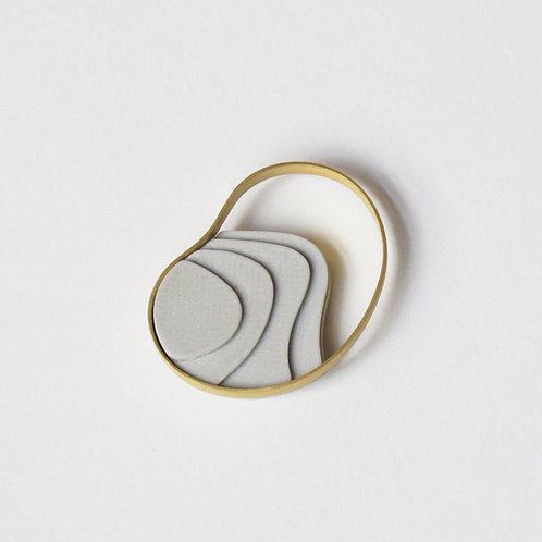 Broche Magnético Atlas Dorado + Cemento 3D