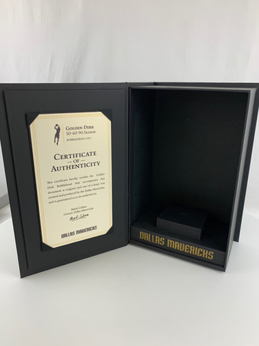 Dirk Mavericks Box