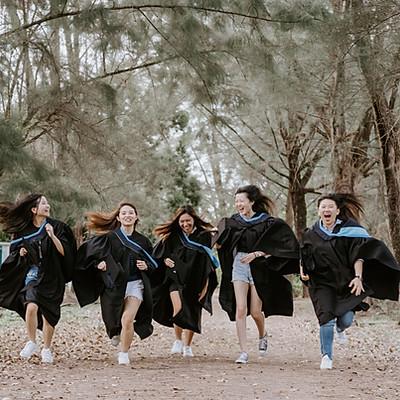 Friends - Graduation