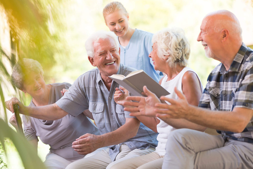 6005d4ea8d0b98e358607cd4_assisted-living-seniors-together-community-chicago.jpg