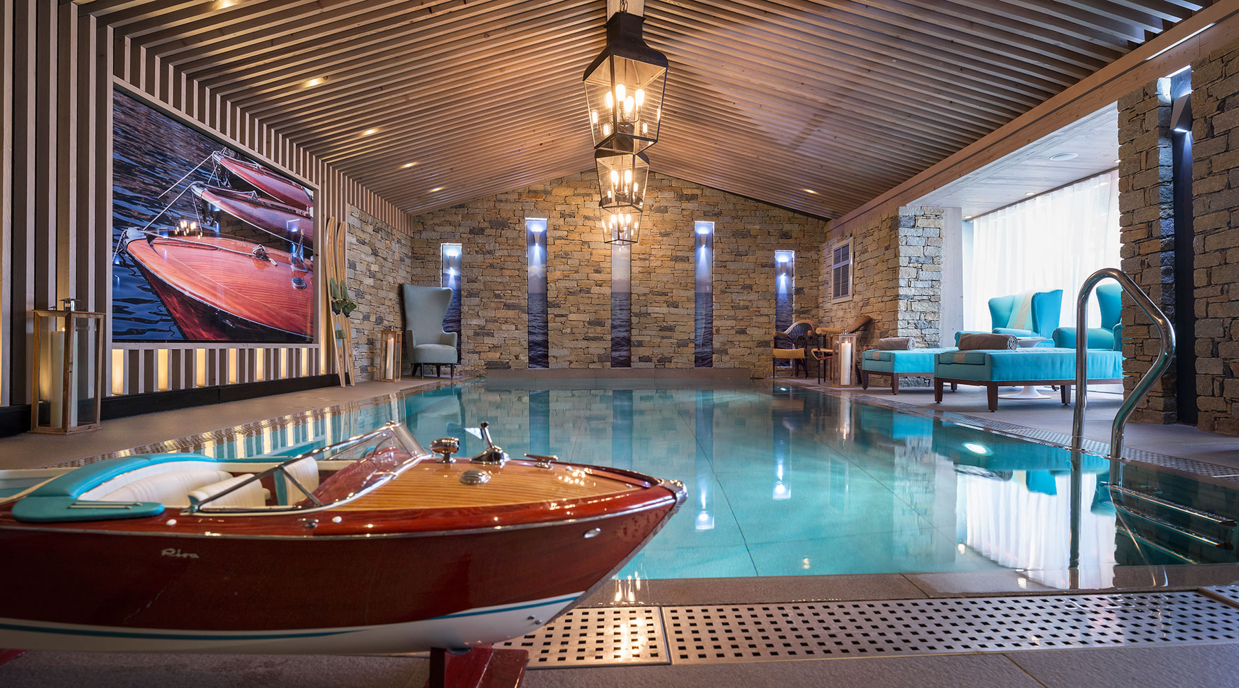 piscine-interieure-spa-hotel-luxe-courchevel-alpes