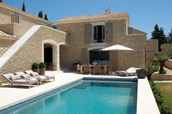 luxury-rental-gordes-provence-villa-beaumes__15___1024x681_