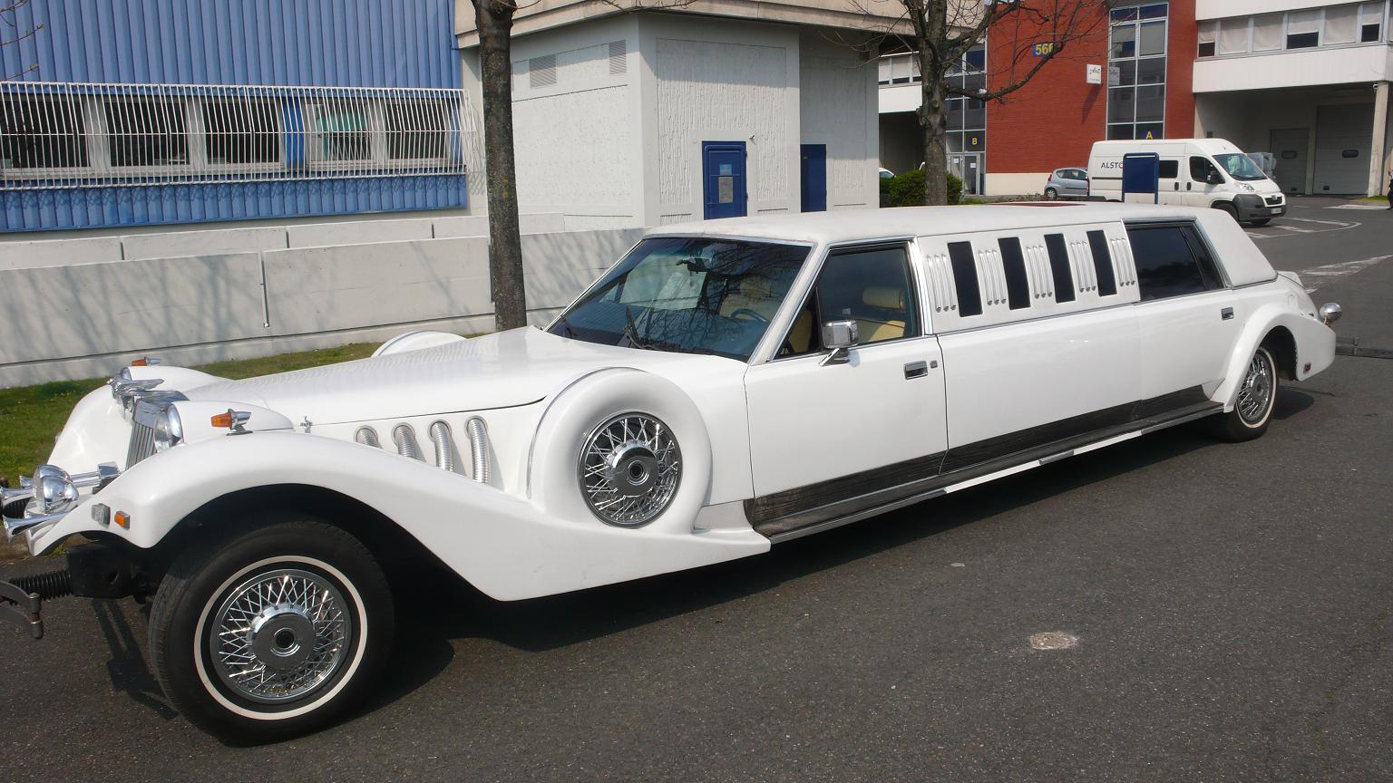 Excalibur-limousine-4
