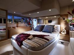 interieur_bateau_yacht_de_luxe_chambre_luxueuse_resize