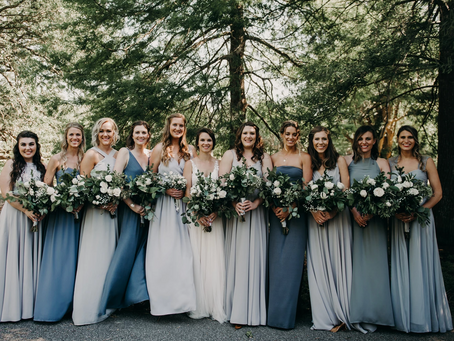 How to Incorporate the Holiday Season Into Your Wedding