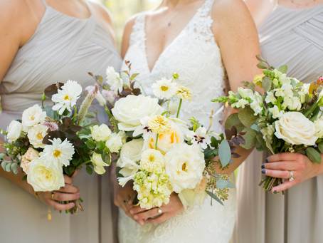 Our Favorite Ways we Included the Pantone Color of the Year into Weddings - Illuminating Yellow