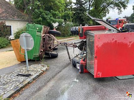2020-08-11 TE L24-B46 Traktorbergung - 1