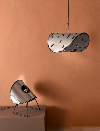 Uniqka_Zero Lamp Mirror - Standing & De