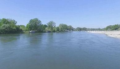 Sopra le acque del fiume