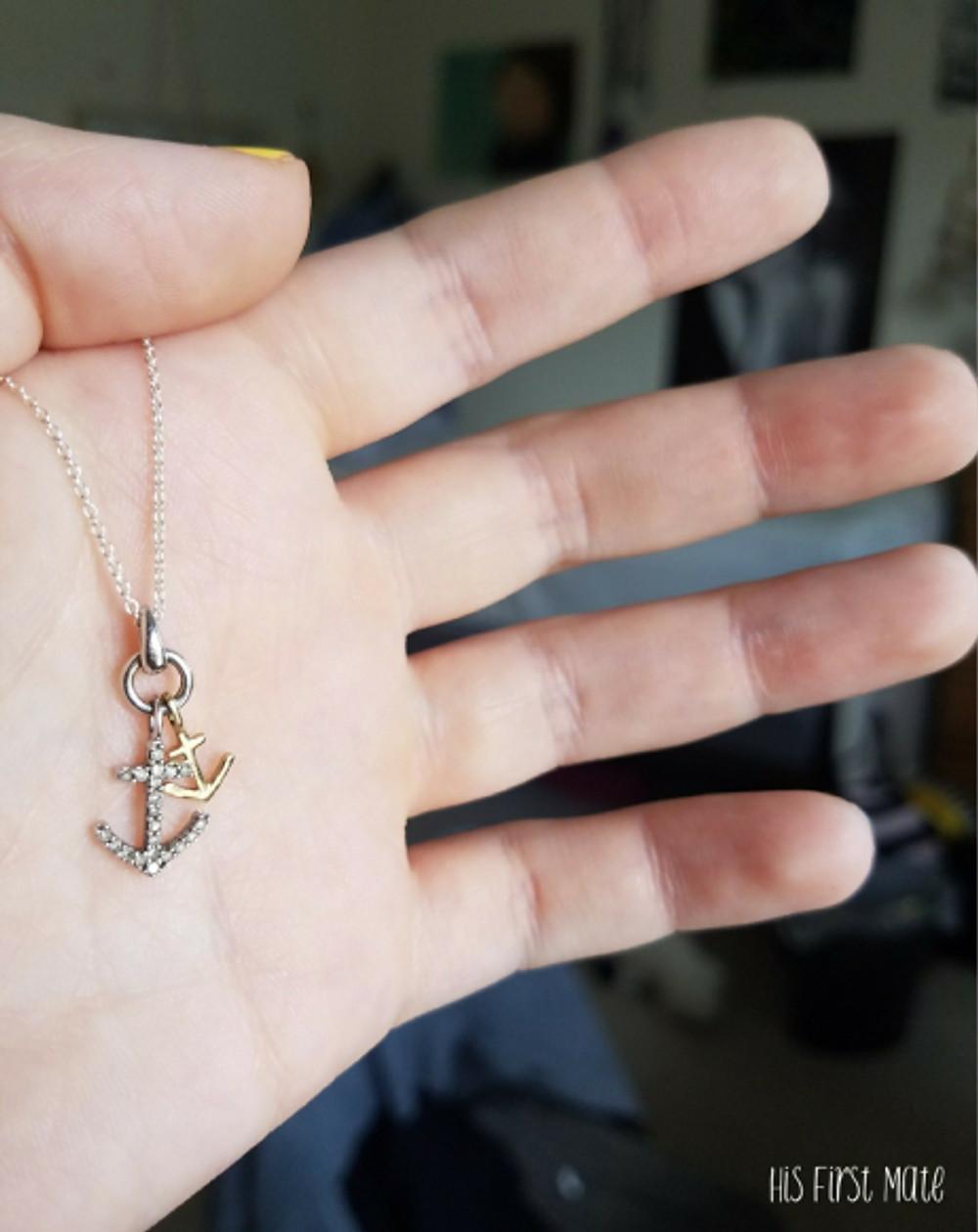 anchor necklace header