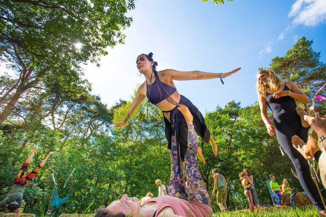 acro yoga 2 mandala 2017