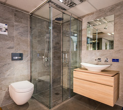 Sovereign Bathroom ©NGS-MBS
