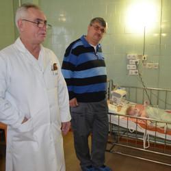 W.Brügger mit Arzt Ukraine
