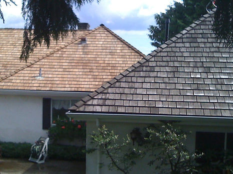 West Vancouver Cedar Roof Cleaning