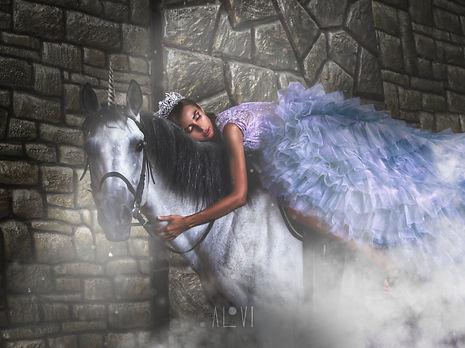 Lina Horse - 3-1.jpg