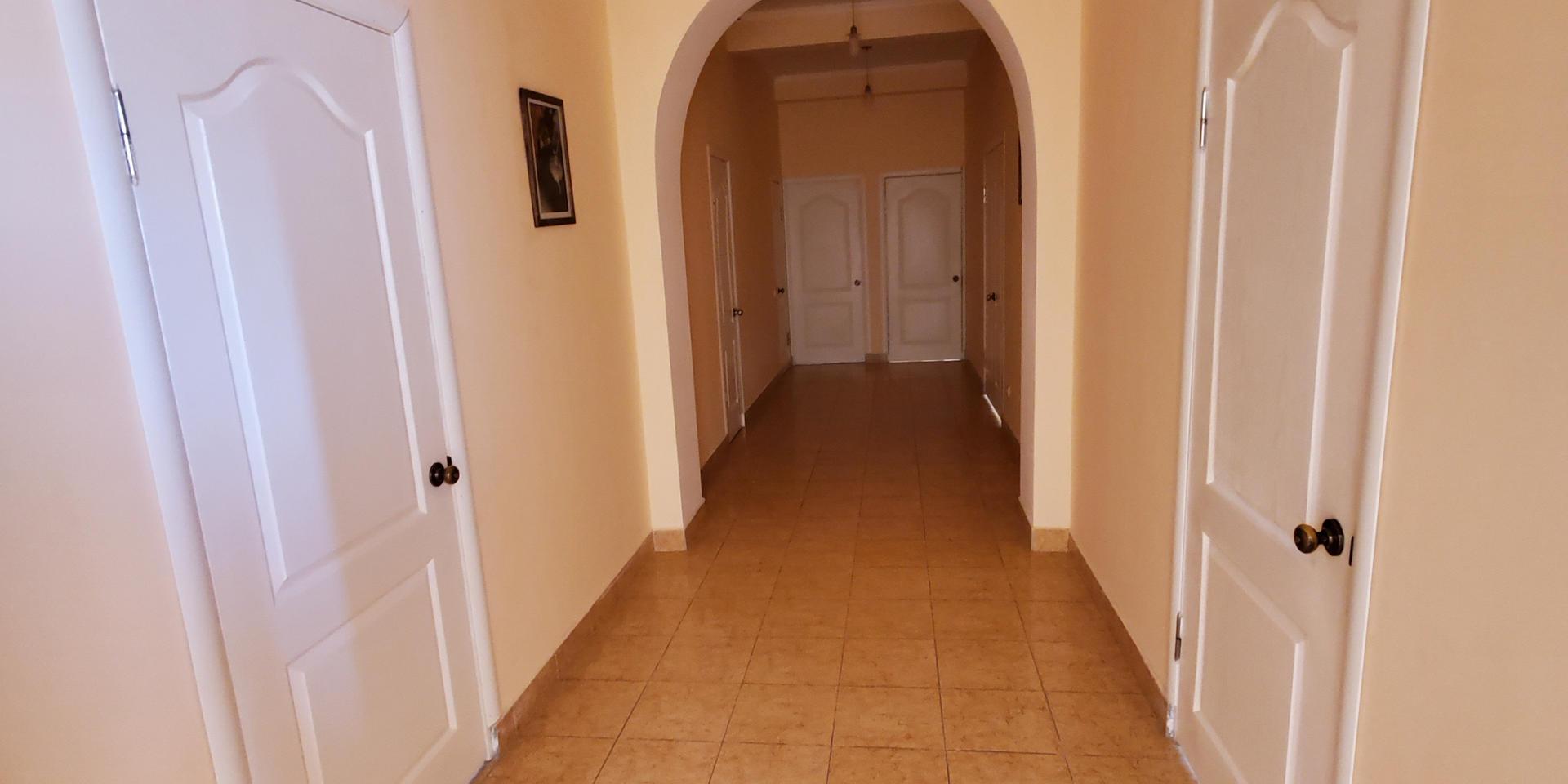 stairs & hall - 20200731_162028.jpg