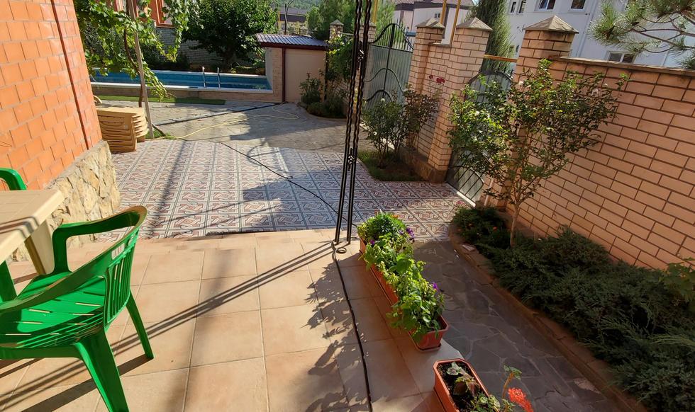 garden & pool - 20200731_164811.jpg