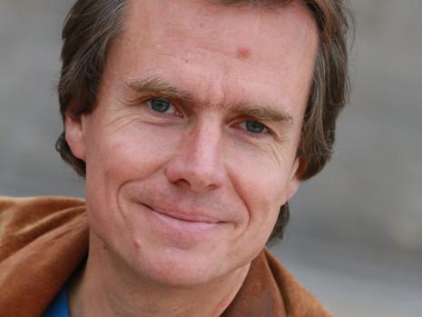 Dr. Stefan Dressler