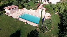 Tour piscine en granulats de marbre